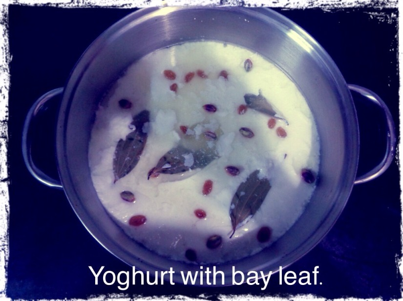Yoghurt with bay leaf.