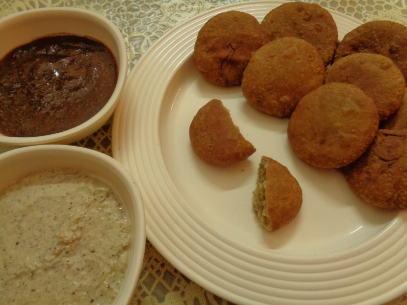 Split Bengal Gram Mini Kachoris with Chutney.