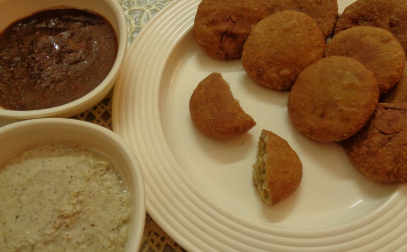 Split Bengal Gram Mini Kachoris With Chutney