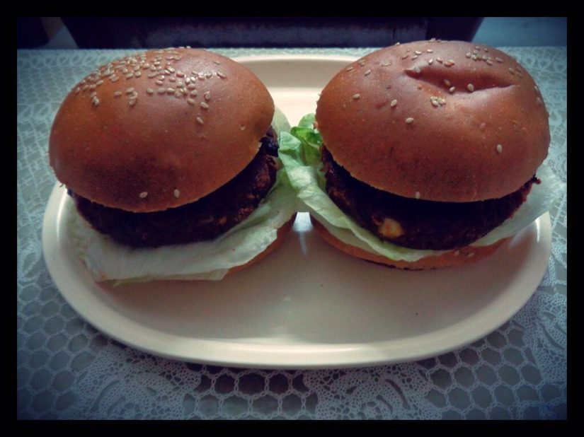Potato Rajma And Keema Tikki Burger