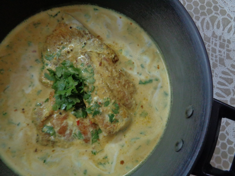 Fish In Mustard-Yoghurt Gravy