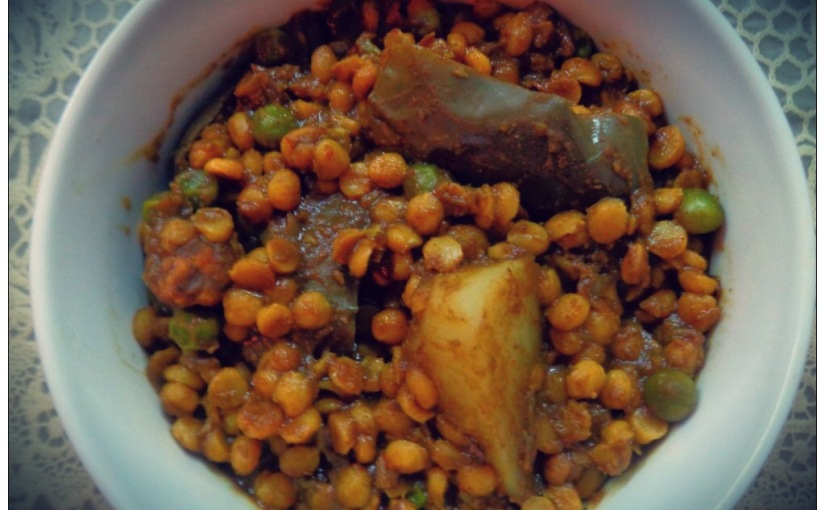 Split Bengal Gram With Brinjal,Potato and Peas