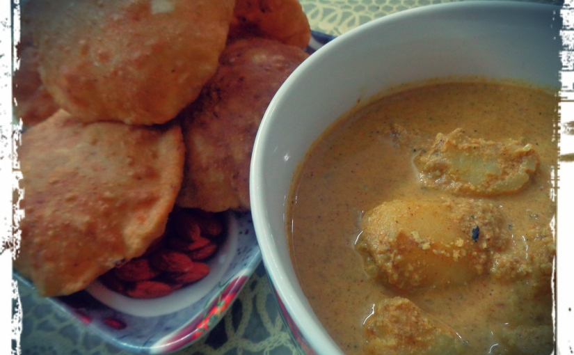 Cabbage Poori With Peanut And Potato Curry