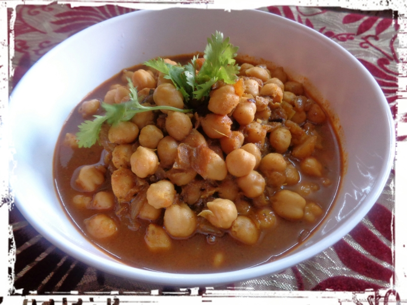 Chickpea Curry With Fenugreek And Curd