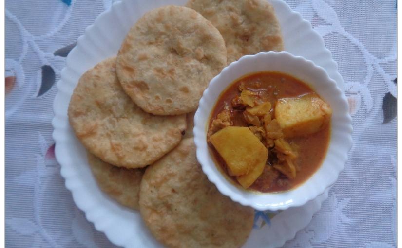 Keema Pooris With Potato KeemaCurry