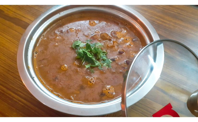 Sweet And Tangy Kidney Beans Curry